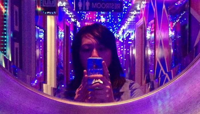 Selfie di Tempat Karaoke (instagram)