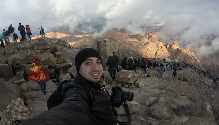 Selfie di kawah gunung (Foto: Tumblr)