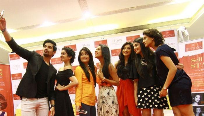 Selfie di mall (india-forum com)700x400