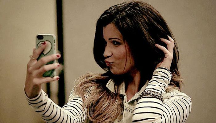 05 Kecanduang Selfie (Foto um.smash.com)