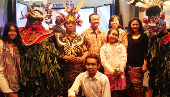 07 Komunitas Muda Dayak yang siap Go Internasional (Foto vemale com)