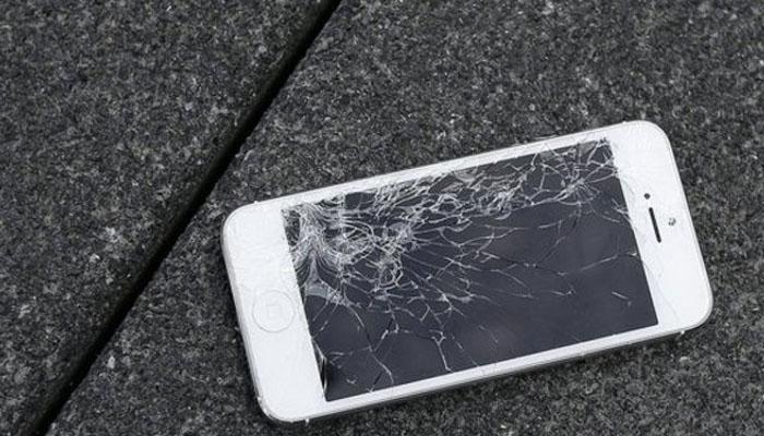 07 Layar Smartphone Mudah Retak (Foto Kapanlagi com)