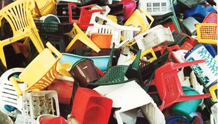 08 Sampah Plastik (Foto WordPress Jujubandung)