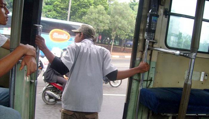 Kernet sering banget pengen ngajak kenalan (Foto: blogdetik.com)