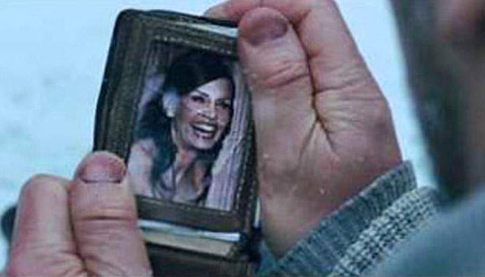 """Masihkah Fotoku dalam dompetmu.."" (Foto: rogerebert.com)"