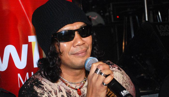 4 Krisyanto-Sang-Vokalis-Band-Jamrud-cbatamtoday_com_
