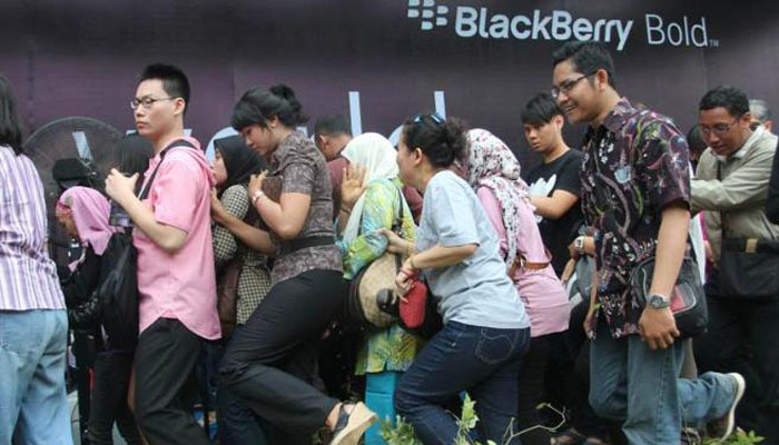 Kenangan Blackberry Antrian BB Bellagio