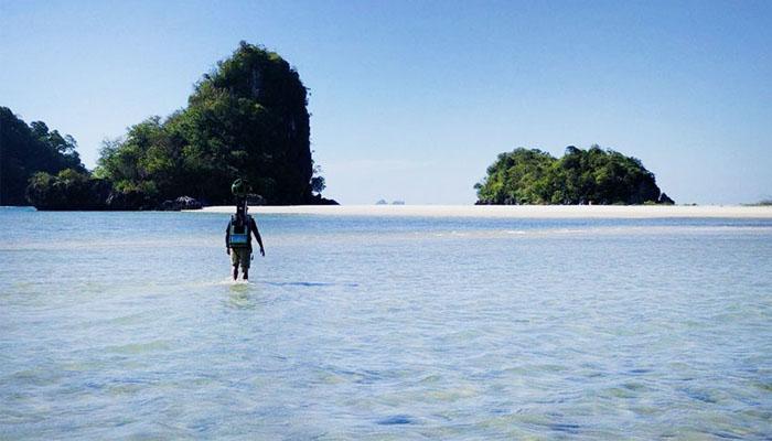 Pria SVG Jalan 500 km 2 Hingga ke Pinggir Pantai
