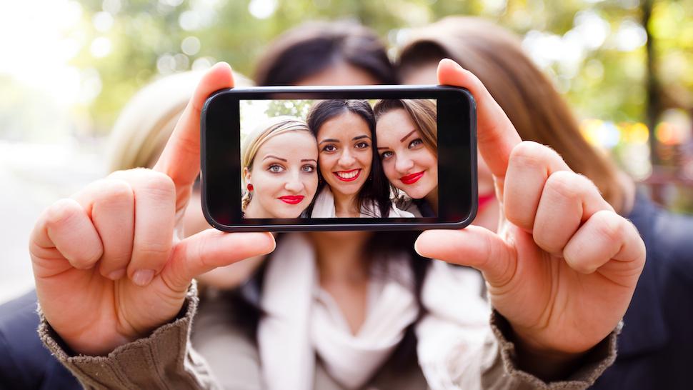 Jangan Sembarang Umbar foto pribadi kamu.